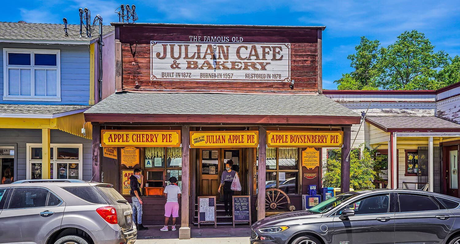 Julian Cafe and Bakery store front