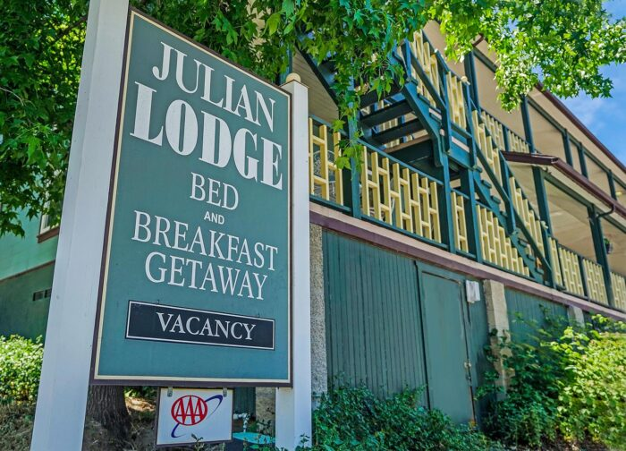 Julian Lodge Bed and Breakfast Getaway front sign