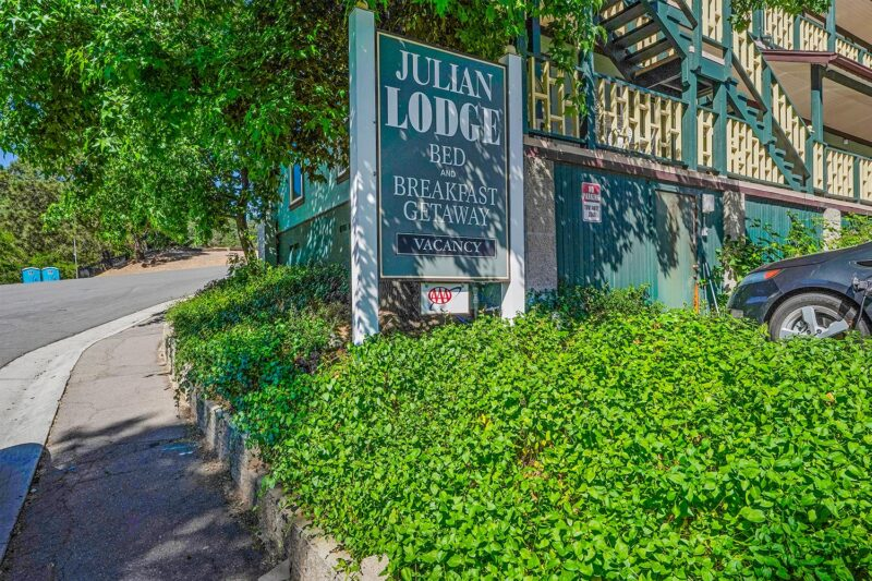Julian Lodge sign